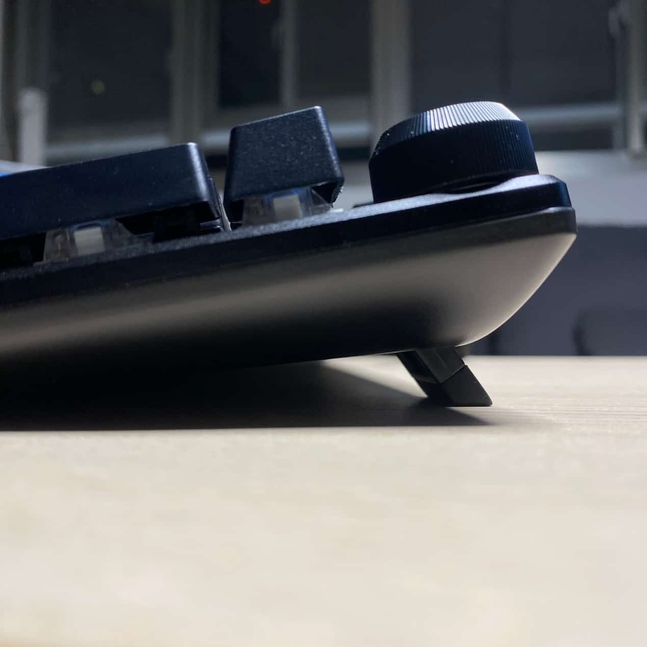 FXR-HKM-61旋音戰狐機械電競鍵盤-可調角度斜角