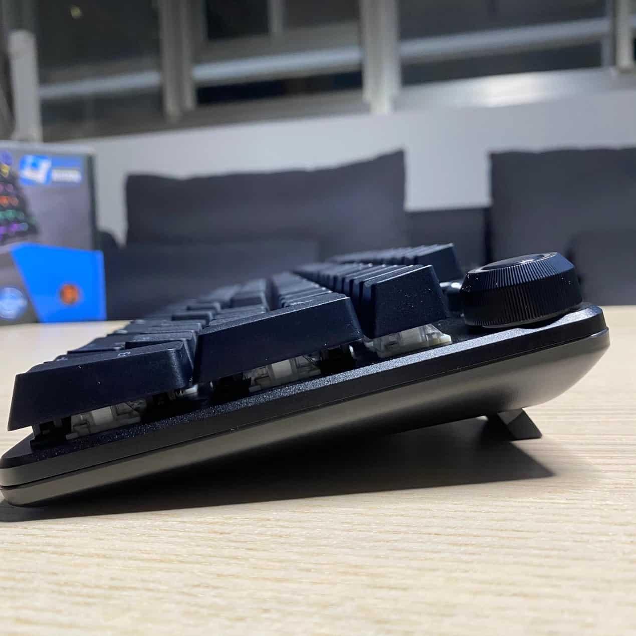 FXR-HKM-61旋音戰狐機械電競鍵盤-斜角