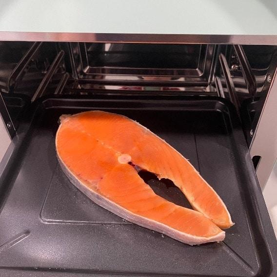 伊崎氣炸烤箱-烤鮭魚