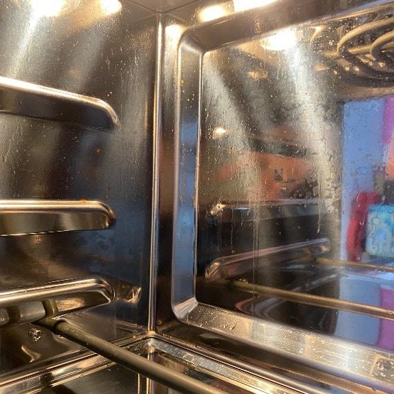 伊崎氣炸烤箱-玻璃門內部油噴