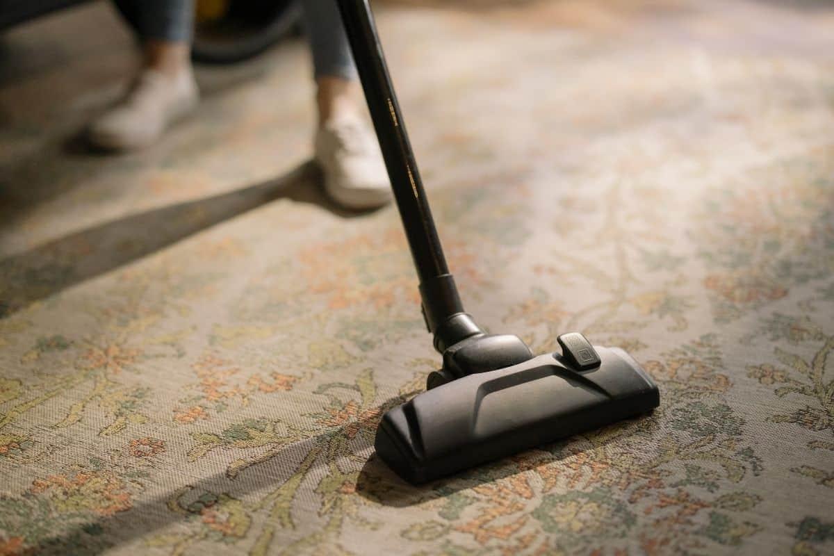 如何正確使用吸塵器和掃地機器人?