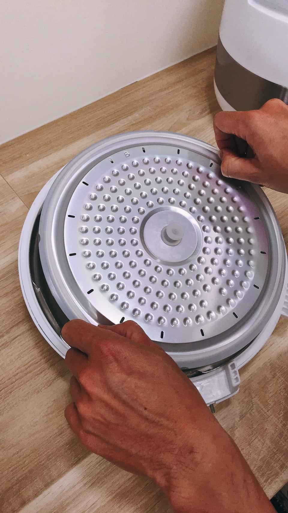 鍋寶萬用壓力鍋上鍋蓋