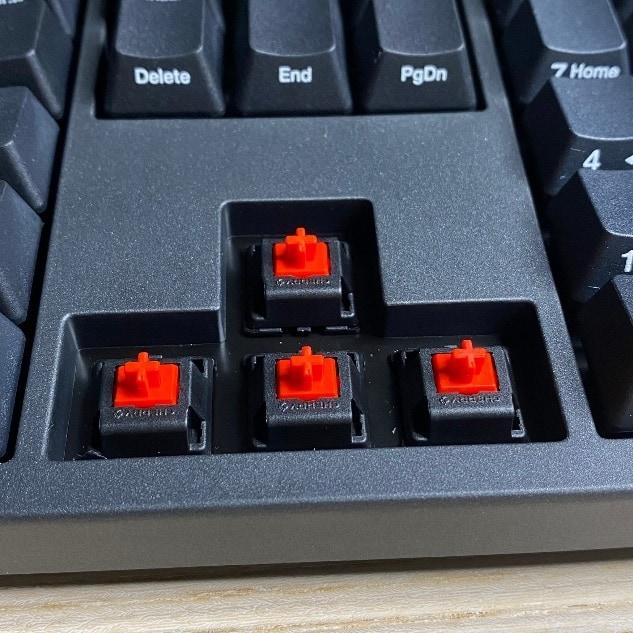 Zero-3108機械鍵盤-拆除上下左右鍵