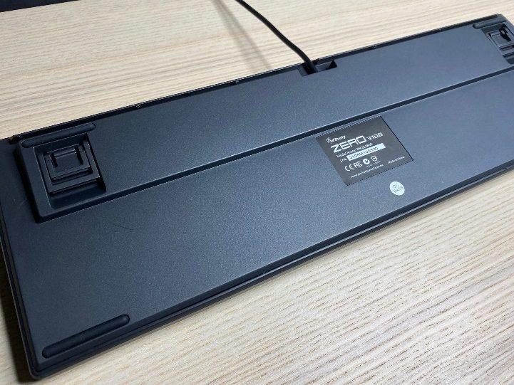 Zero-3108機械鍵盤-背部防滑設計