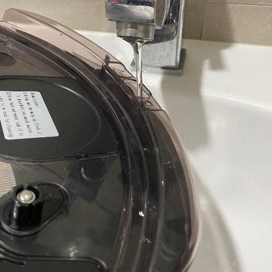 Anqueen安晴掃地機器人-水箱注水
