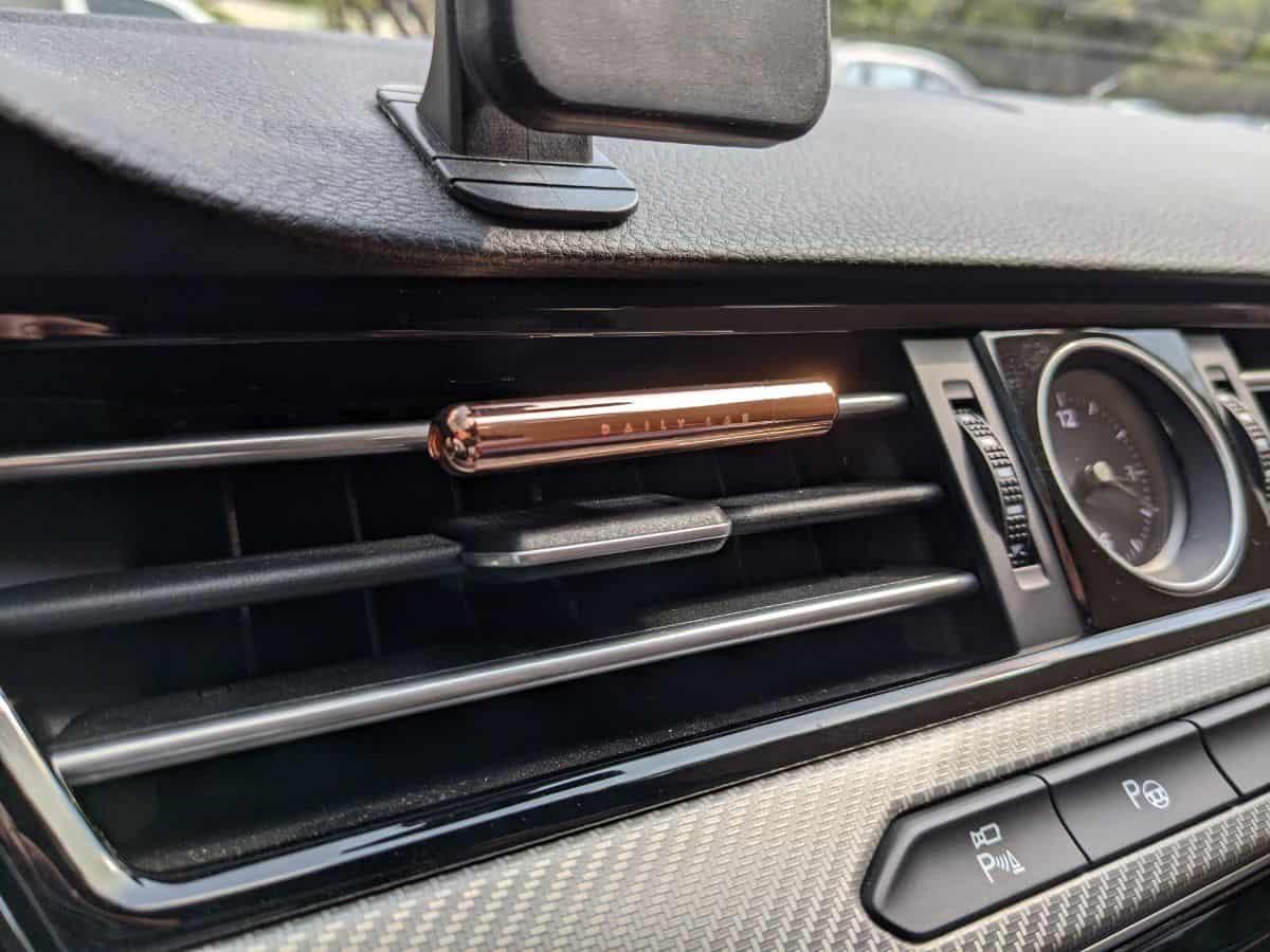 Daily Lab 車用香氛小金條-車內使用實況
