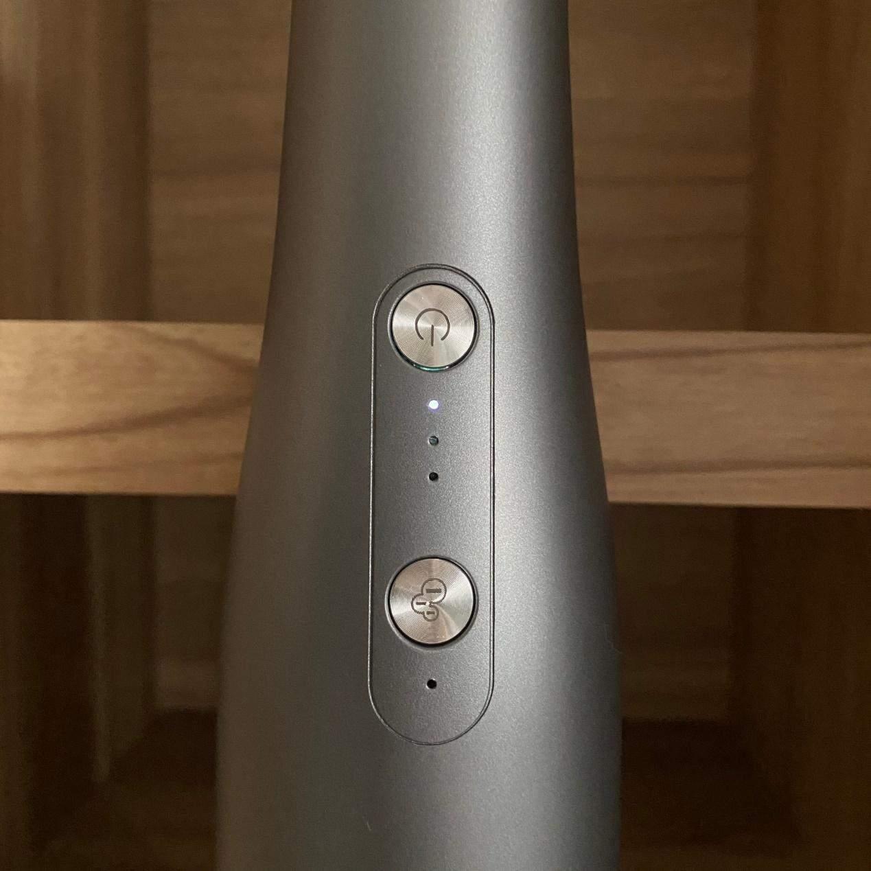 伊崎負離子吸塵器指示燈