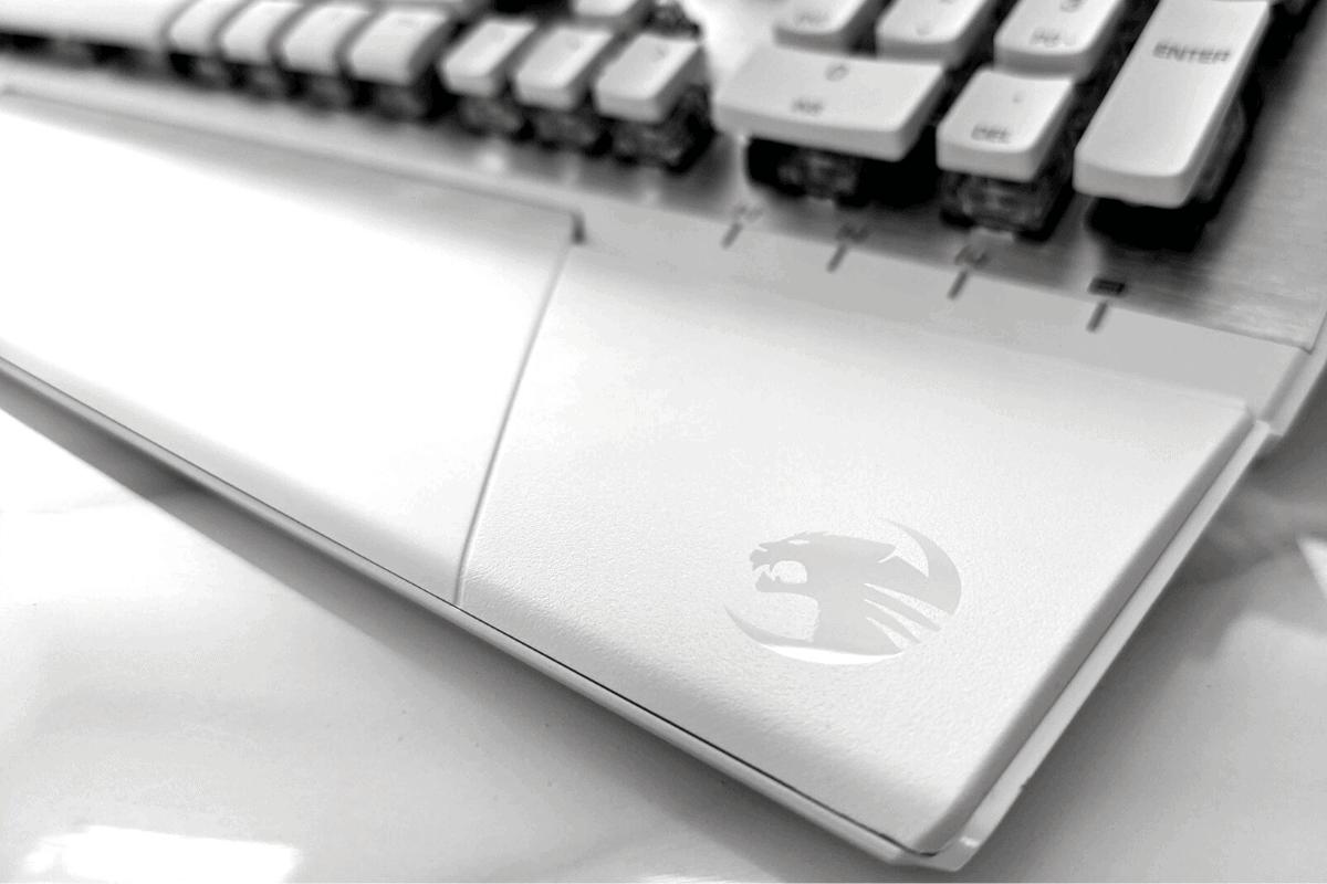 冰豹 ROCCAT Vulcan 122 Aimo 鍵盤手托
