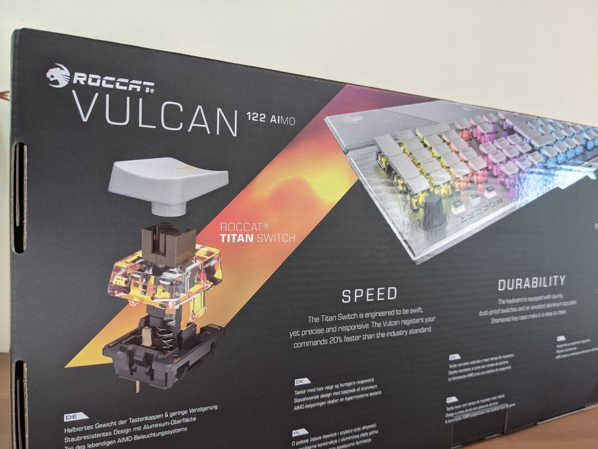 冰豹 ROCCAT Vulcan 122 Aimo 專屬設計