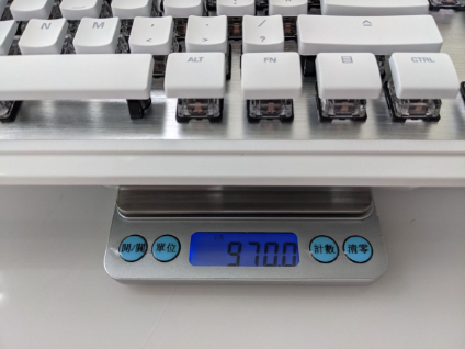 ROCCAT Vulcan 122 機械式鍵盤重量約 970克